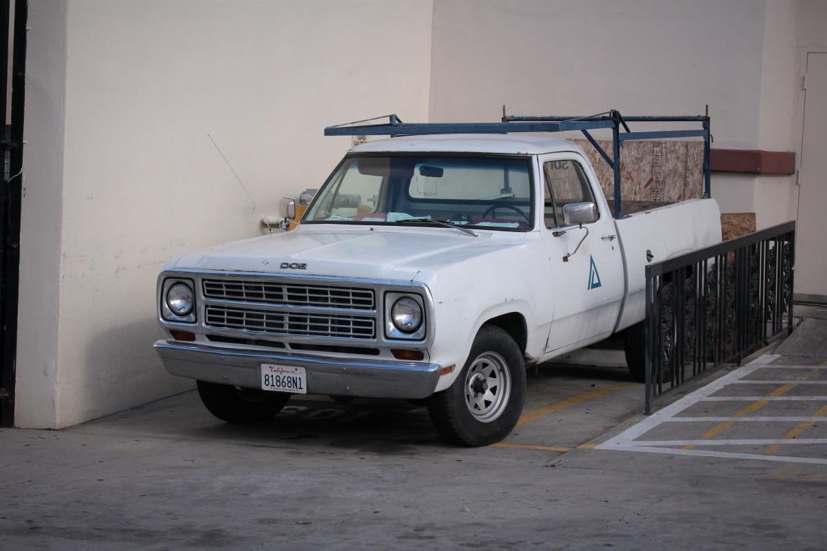 Early 70\'s Dodge D-Series Pickup – LA Car Spotting