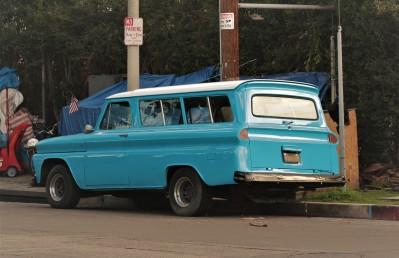 mid-60s-chevy-suburban-1