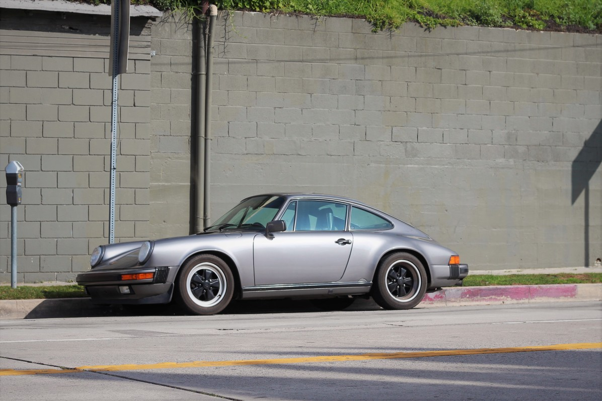 19th-1975-porsche-911-carerra-1