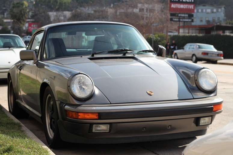 19th-1975-porsche-911-carerra-3