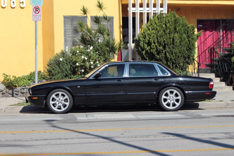 22 - 1999 Jaguar XJR (1)