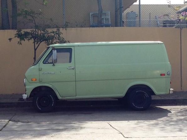 16 - 1970 Ford Econoline Panel Van (2)