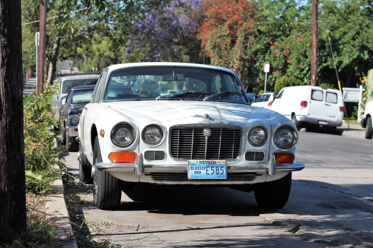 1970 Jaguar XJ6 Sedan - LA Car Spotting