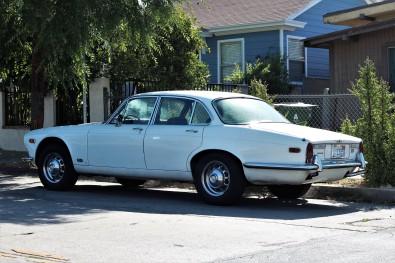 13 - 1970 Jaguar XJ6 Sedan (4)