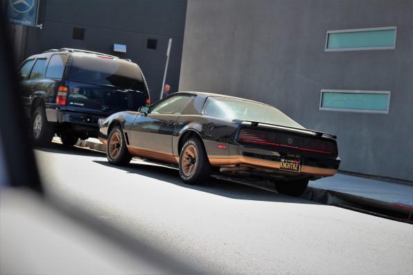20 - 1982 Pontiac Trans Am (Knight) (3)