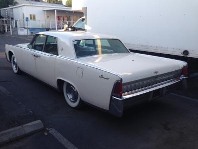 27 - 1963 Lincoln Continental Sedan (6)
