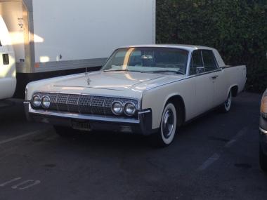 27 - 1963 Lincoln Continental Sedan (7)