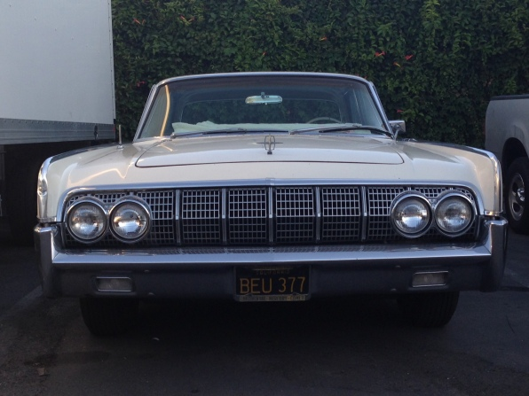 27 - 1963 Lincoln Continental Sedan (9)