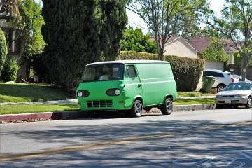 7 - 1964 Ford Econoline Van (1)