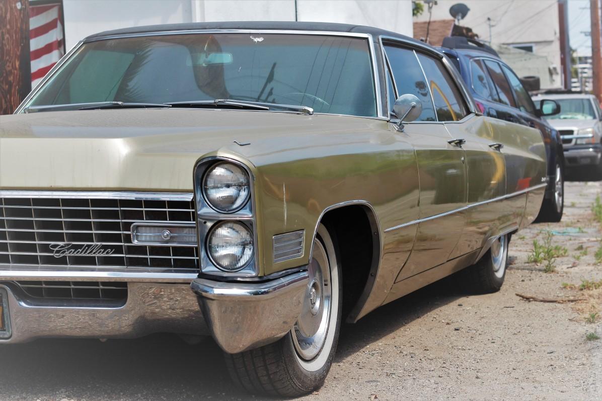 10 - 1967 Cadillac Sedan De Ville (3)