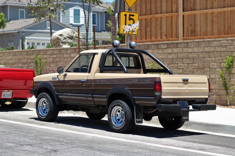 1984 Nissan 720 Single Cab (1)