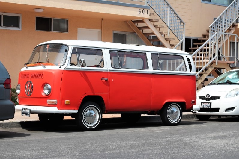 6 - 1968 VW Bus Type 2 (1)