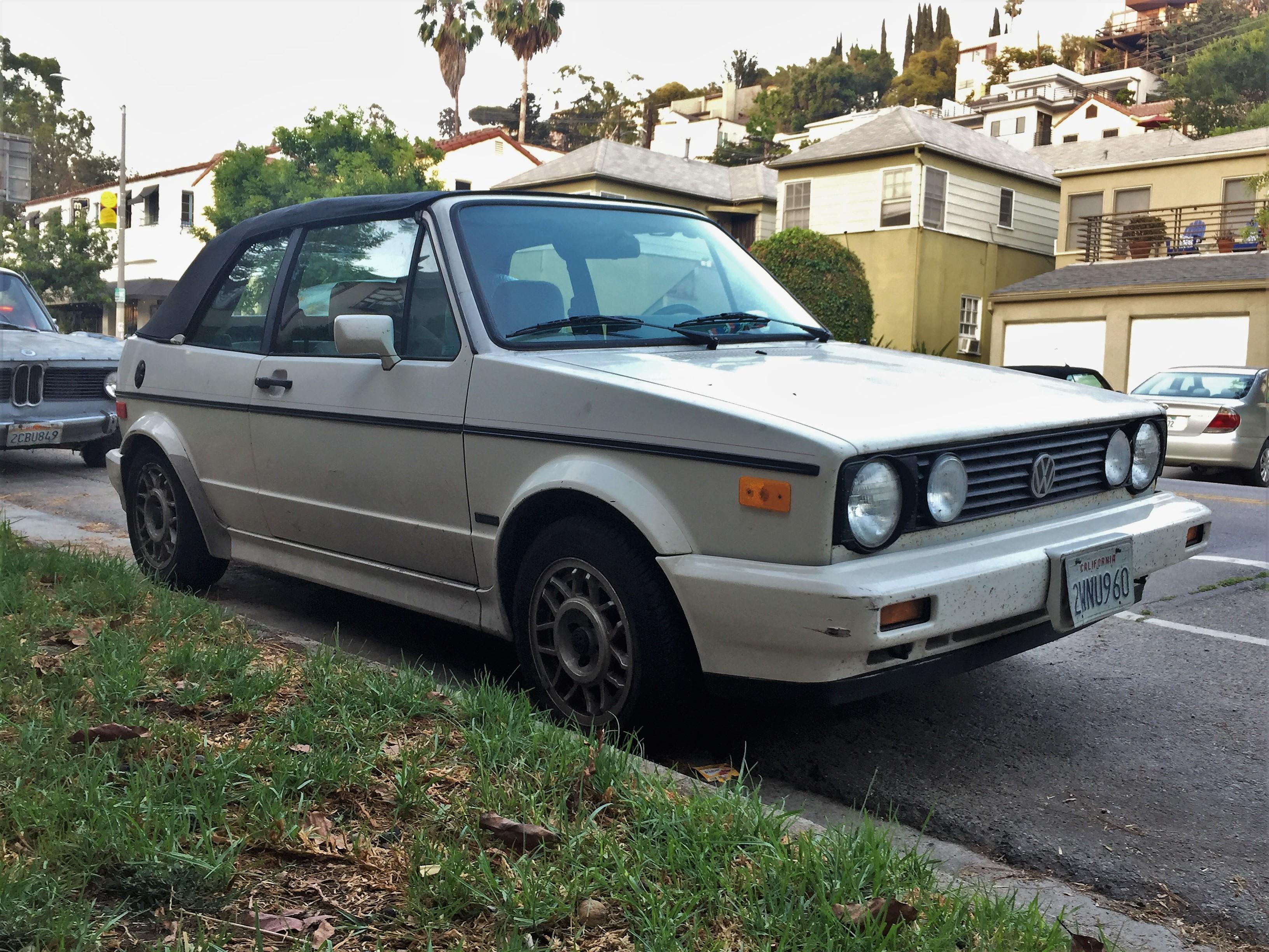 1989 volkswagen cabriolet la car spotting. Black Bedroom Furniture Sets. Home Design Ideas