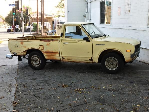 1974 Datsun 620 Pickup (2)