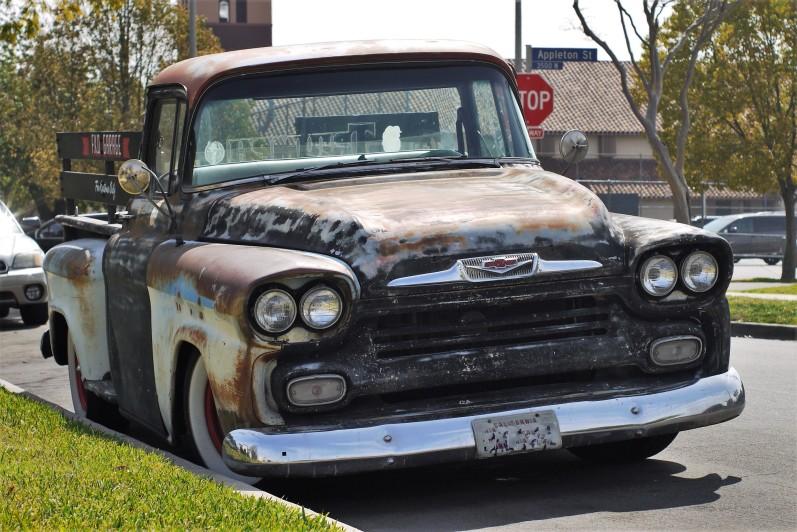 1958 Chevy Apache Pickup TRuck (1)