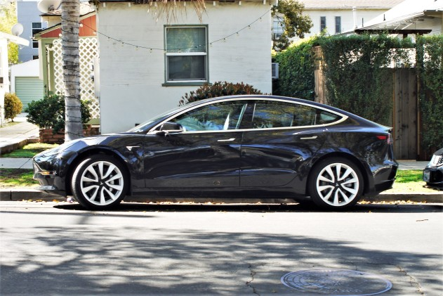 Tesla Model 3 - NEW (2)