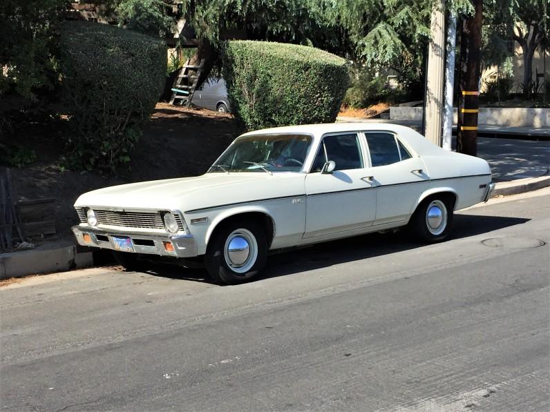1971 Chevy Nova Sedan (2)