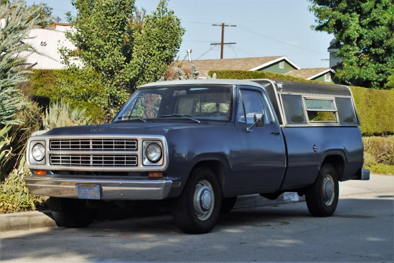 1974 Dodge D100 (2)