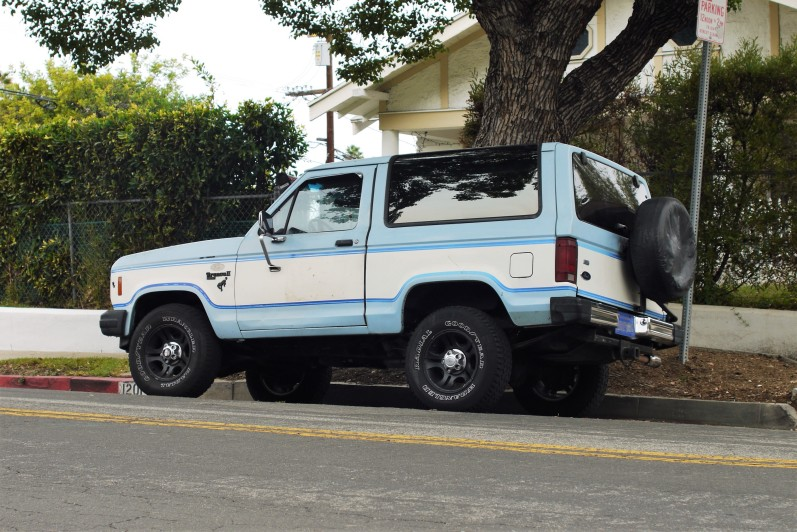 1985 Ford Bronco II (1)