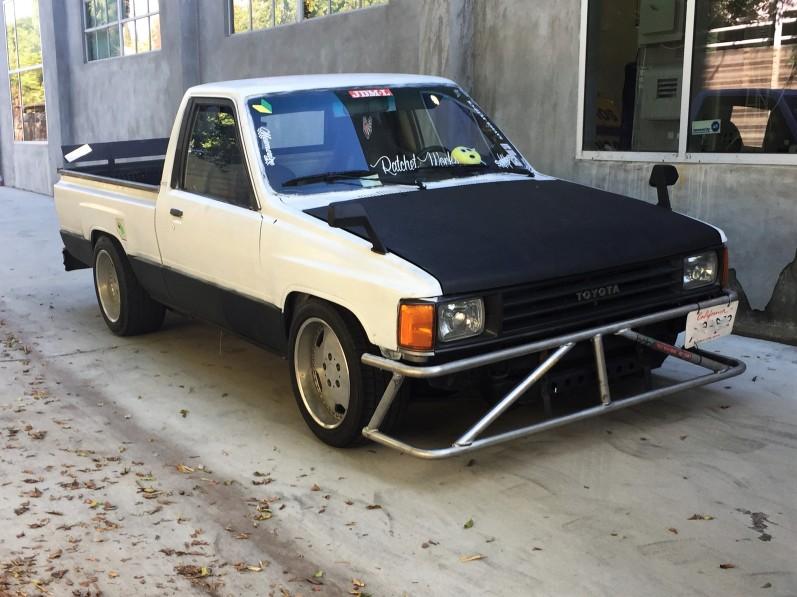 1985 JDM NASCAR Toyota Pickup (1)
