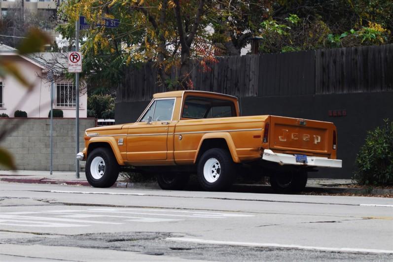 1972 jeep j2000 gladiator (1)