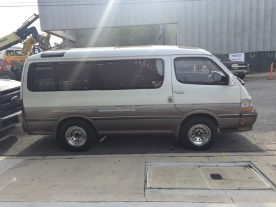 1993 Toyota HiAce Super Custom Limited (3)