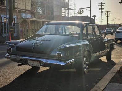 1962 Plymouth Valiant Sedan (2)