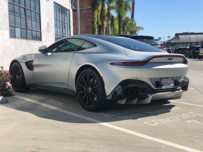 2019 Aston Martin Vantage (2)