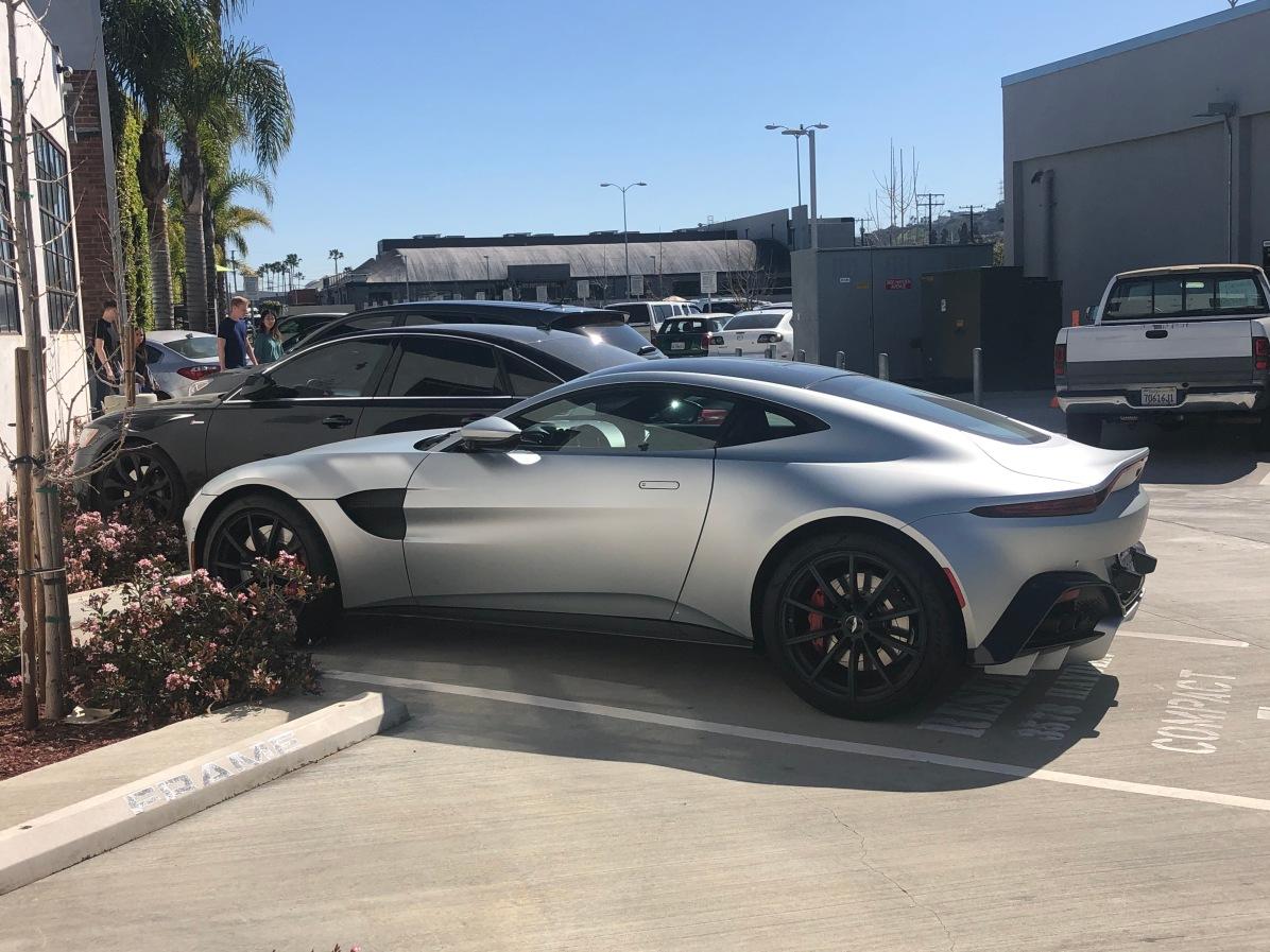 2019 Aston Martin Vantage (4)